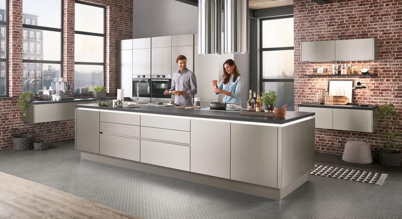 Design-Küche Nobilia Inox Stahloptik