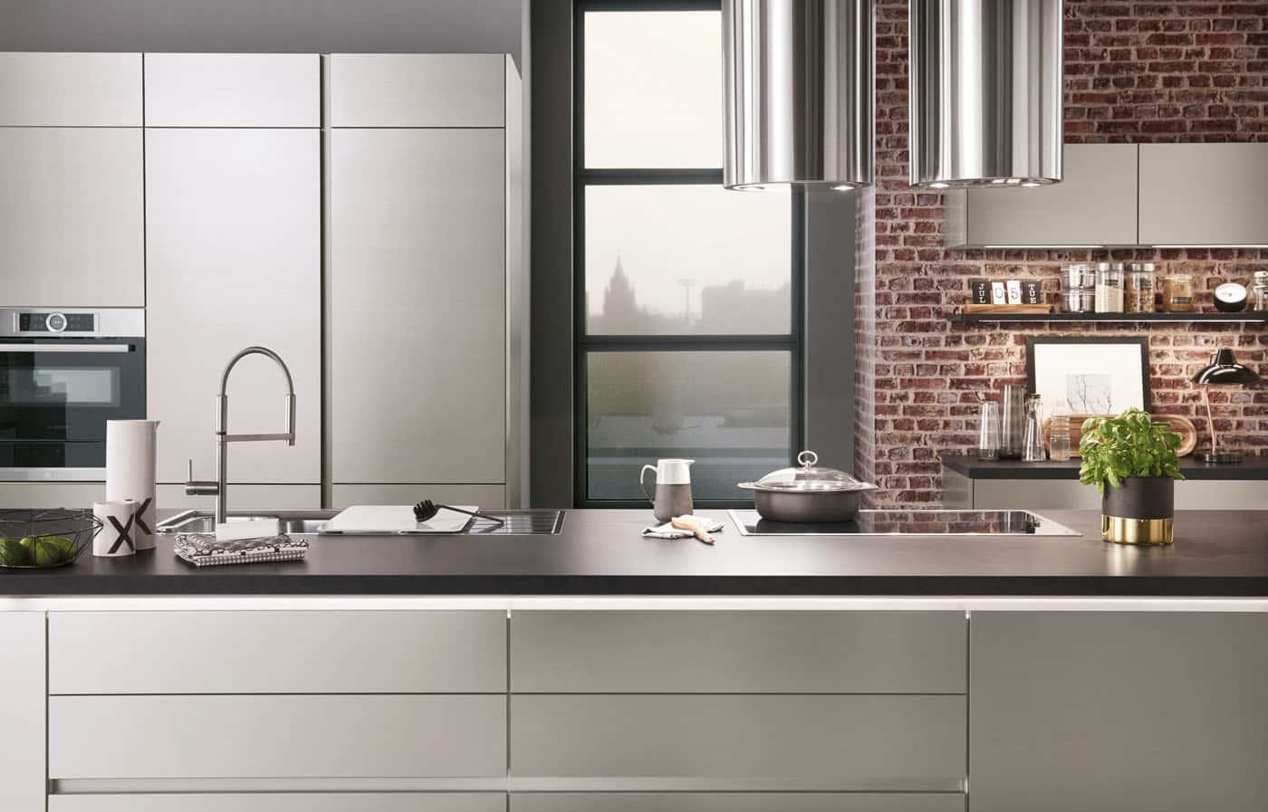 Küche mit Stahloptik von nobilia Inox