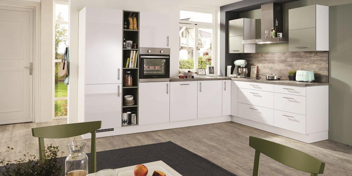 L-Küche Focus Hochglanz mit grunen Akzent, nobilia