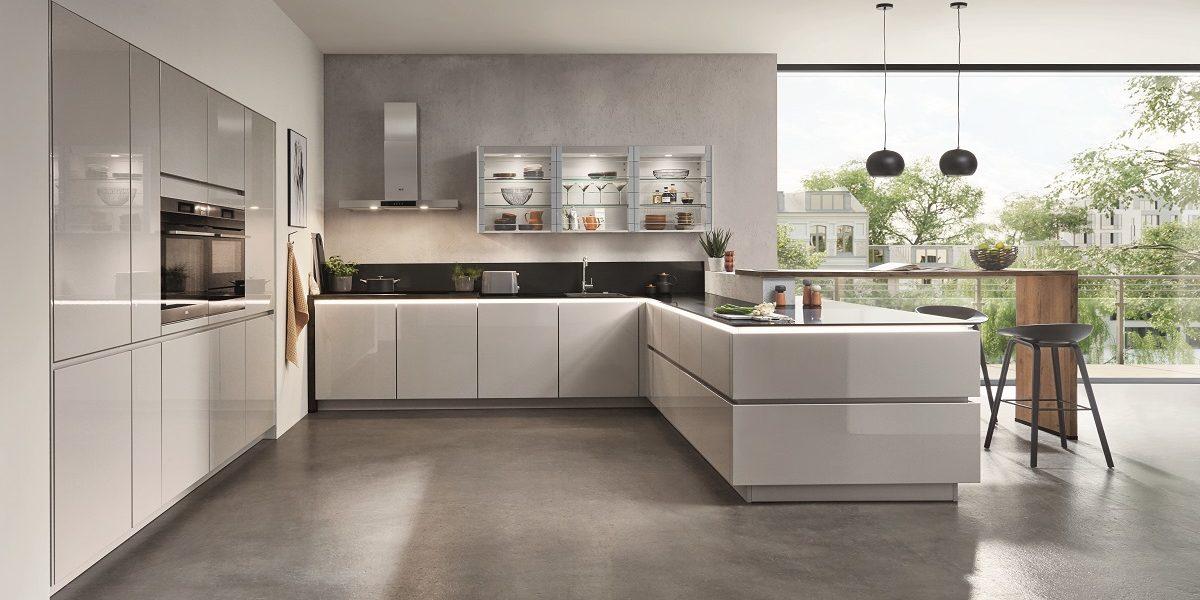 Hochglänzende Küche Lux U-Form, nobilia